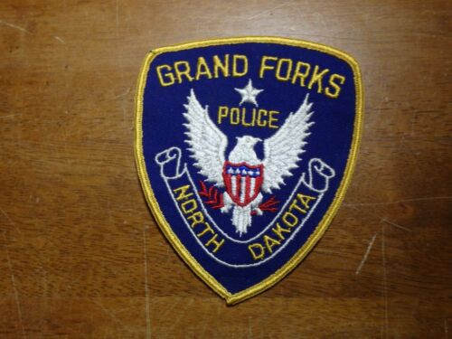 GRAND FORKS NORTH DAKOTA  POLICE DEPARTMENT OBSOLETE PATCH BX SS#5