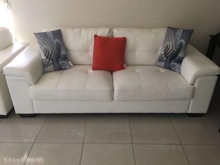 White 3 2 Seater Sofas Coffee Table