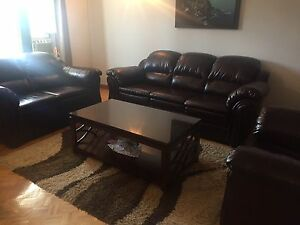 3 Piece Leather Sofa Set Excellent Condition!
