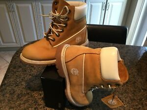 Timberland Youth or ladies hiking Boots Size 6M  (New)