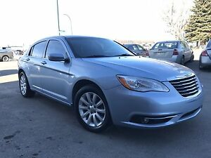 2012 Chrysler 200 Touring GREAT DEAL