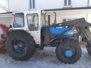 Tracteur universel 640 DTC