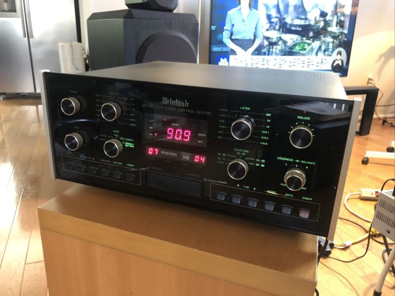 McIntosh MX-130 A/V Tuner Control Center and McIntosh RAA1 Remote AM Antenna