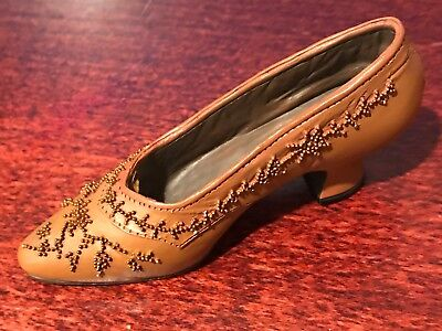 1999-JUST THE RIGHT SHOE by RAINE- COURTLY RICHES - 25040 - BROWN WITH DESIGN(66