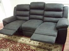 Recliner Lounge Suite (as new showroom condition) Numurkah Moira Area Preview