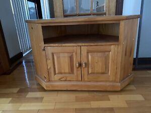 Corner TV Cabinet (Pine)