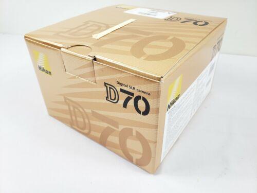 как выглядит Nikon D70 Digital SLR Camera New фото
