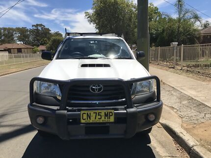 Toyota hilux Ute for sale ($27000).