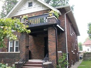 AMAZING APARTMENT ON VICTORIA AVE FOR PROFESSIONALS -  $1200+