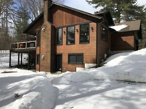 Calabogie clean and bright 2 Bedroom lower level Vacation Rental