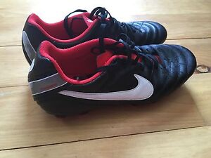Size 8 Nike Tiempo Soccer Cleats