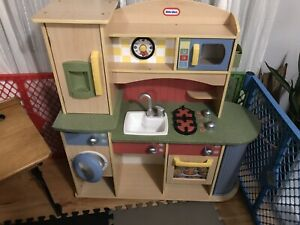 Little tikes kids wooden play kitchen