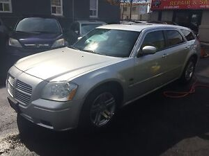 2005 Dodge Magnum RT - Low Kms - Very Clean