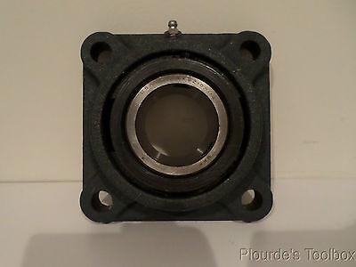 Used Skf Square Flange Bearing 4-bolt Standard Cast 1.94 Inner Dia Fy115