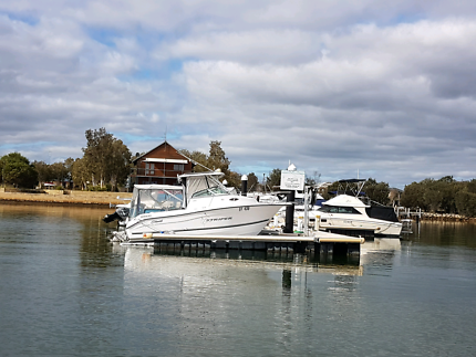 Boat pens, moorings in Mandurah  Dudley Park Mandurah Area Preview