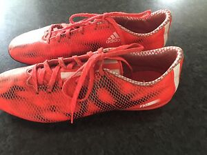 Football boots -Adidas Tingira Heights Lake Macquarie Area Preview