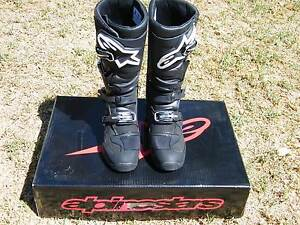NEW IN BOX ENDURO MOTOCROSS BOOTS ALPINESTARS SIZE 10 Young Young Area Preview