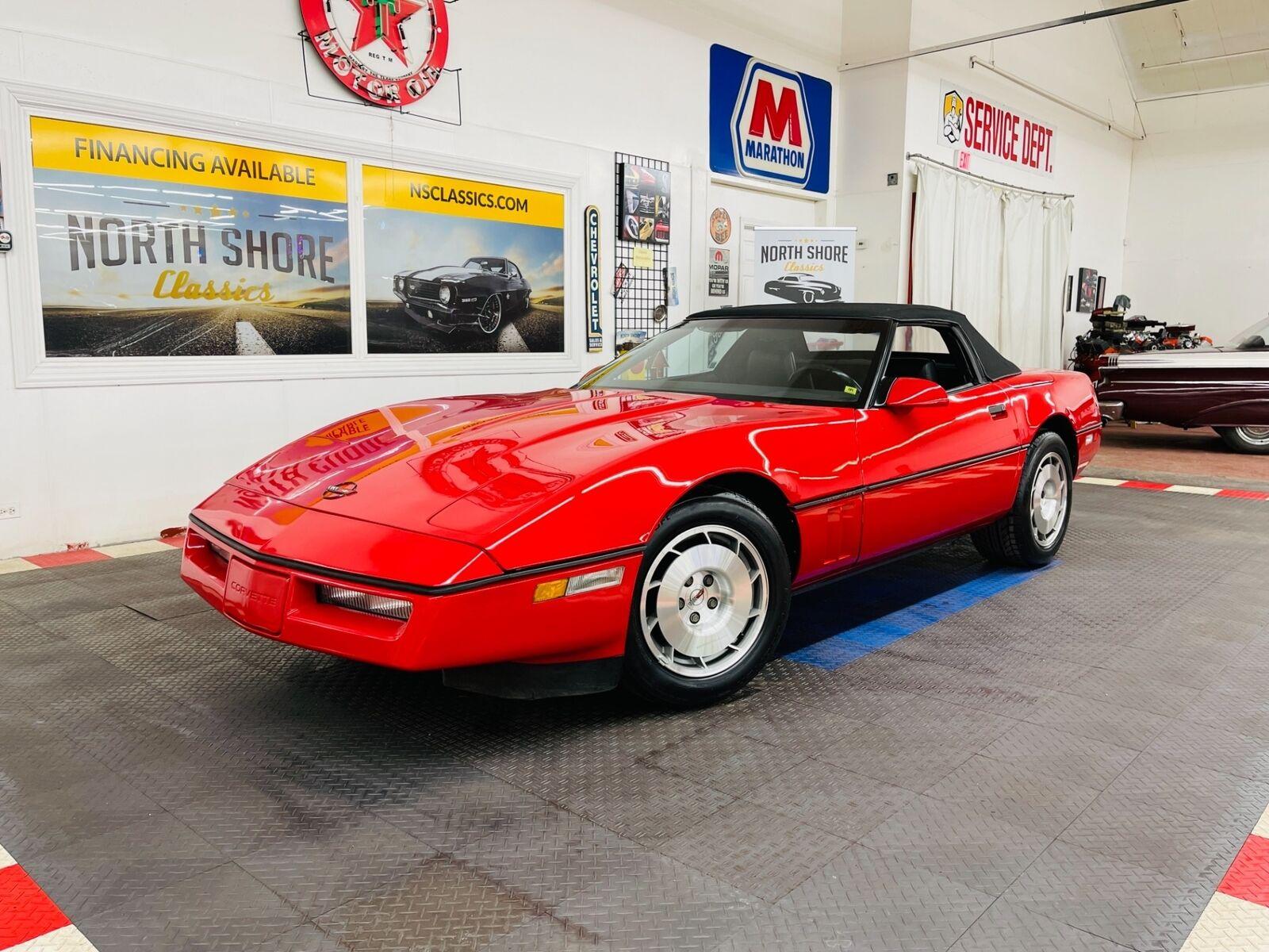 1986 Red Chevrolet Corvette Convertible  | C4 Corvette Photo 4