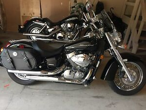 09 Honda Shadow - 2300 Km - like new