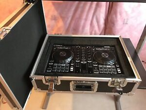 Roland DJ202 Controller with case
