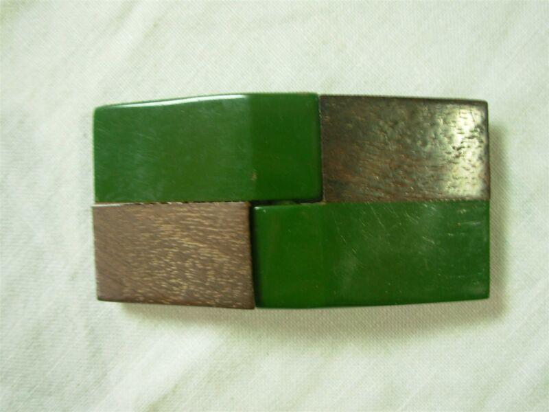 VINTAGE OLIVE GREEN BAKELITE & WOOD BELT BUCKLE ~ TAKE A LOOK!