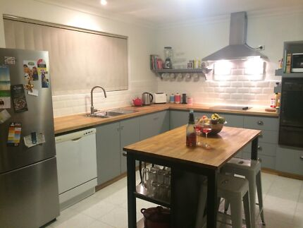 2 Rooms available in Beldon shared house Beldon Joondalup Area Preview