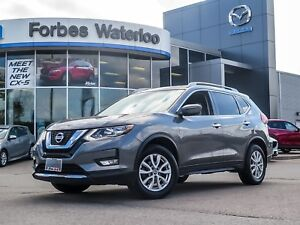 2017 Nissan Rogue SV Panoramic roof AWD