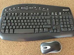 Sac et clavier d'ordinateur