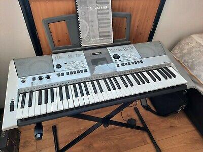 Yamaha PSR E413 Keyboard w manual and stand