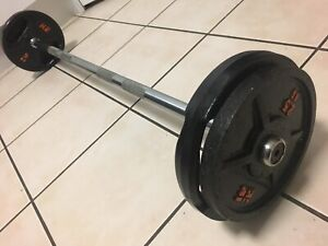 FLAT BAR WITH 15KG PLATES
