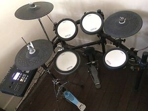 Yamaha DTX700 Electronic / Electric drum kit New Farm Brisbane North East Preview