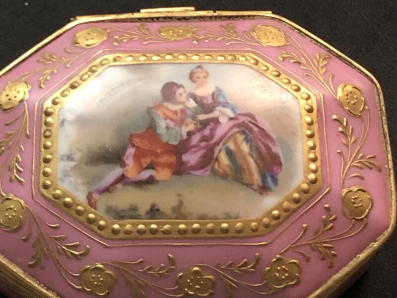 Antique French 19 Th Century Serves Powder Porcelain Box Courting Couple Signed