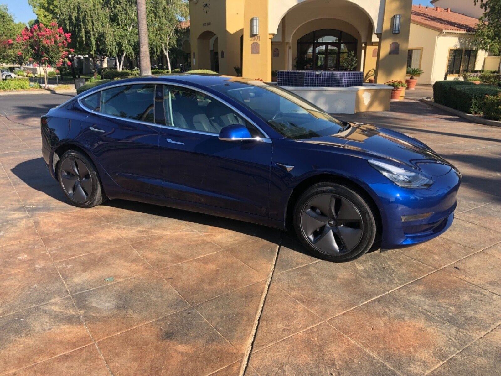 2018 Tesla Model 3 Only 10k Miles, Autopilot