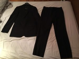 NEVER USED CLASSY BLACK SUIT