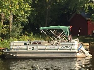 Sun Party Pontoon boat
