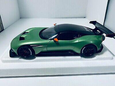 1/18 AUTO ART ASTON MARTIN VULCAN APPLE TREE GREEN METALLIC #70263