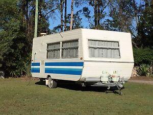 Triple Bunk Family Caravan Palmwoods Maroochydore Area Preview