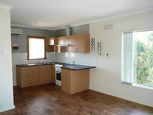 Neat 2 BR Upstairs Unit Kurralta Park West Torrens Area Preview