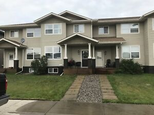 Lacombe townhouse rental available Dec1/18