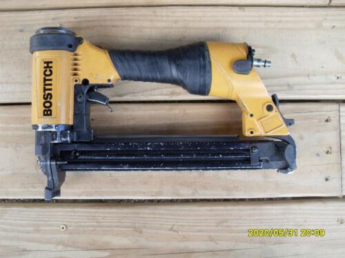BOSTITCH 438S2 Pneumatic Stapler Works Great!!