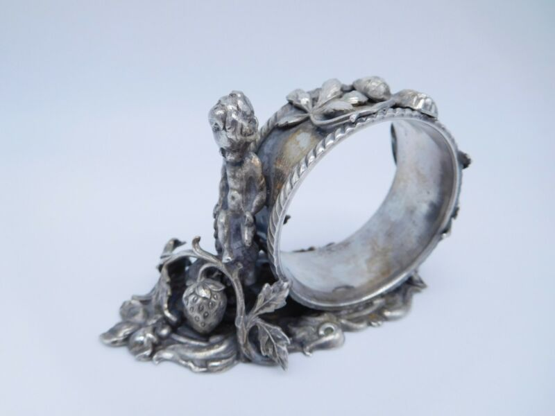 LOVELY VICTORIAN SILVER PLATED FIGURAL NUDE BOY ON STRAWBERRIES NAPKIN RING