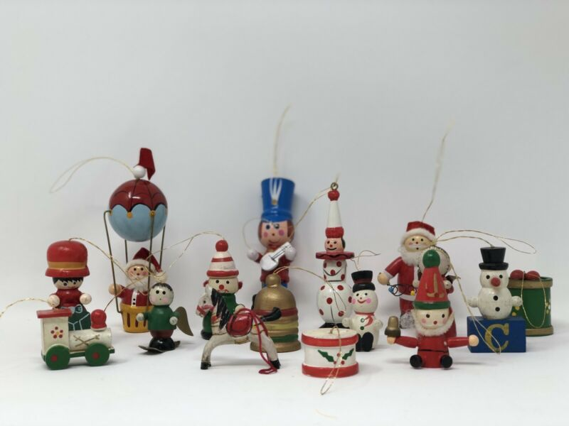 Lot Of 15 Vintage Small Wooden Christmas Ornaments Hand Painted Taiwan