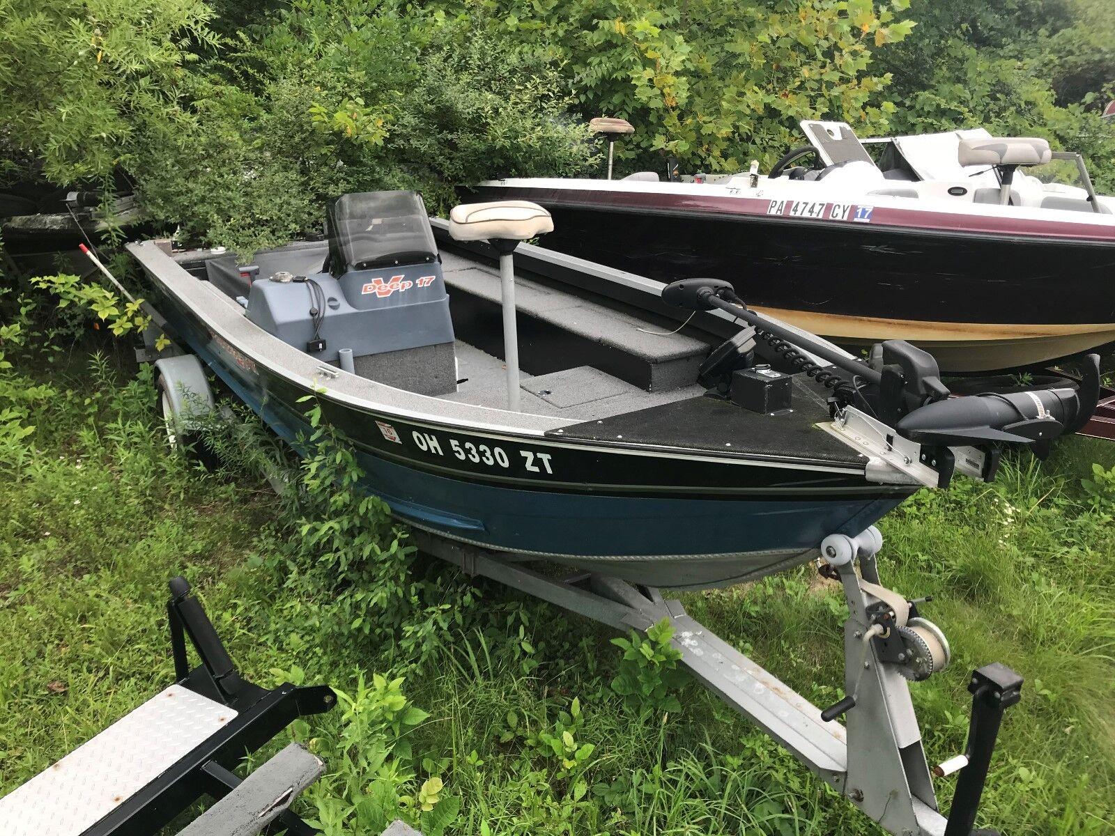 1992 Tracker Boats V17 Aluminum
