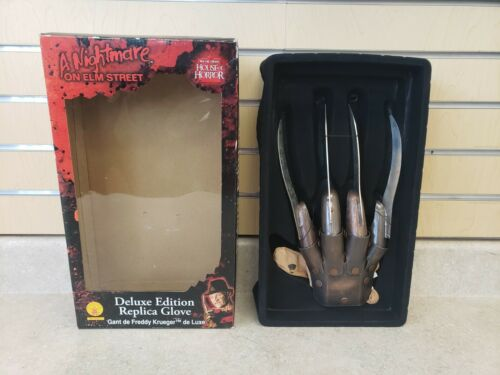 Rubies A Nightmare on Elm Street Deluxe Edition Replica Glove Freddy Krueger