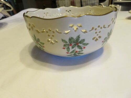 Lenox USA HOLIDAY Pierced Design 24K Gold Trim Made in USA Mint Condition No Box