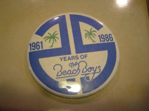 "Beach Boys 25th Anniversary Can Badge Pin 3"" 1961-1986 original Vintage pin"