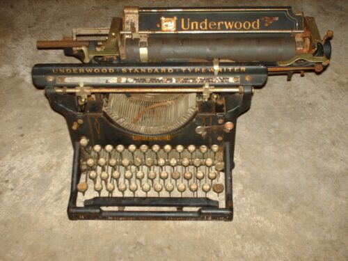 Vintage Early 1900s Underwood Number 3 12 Inch Typewriter Black & Gold