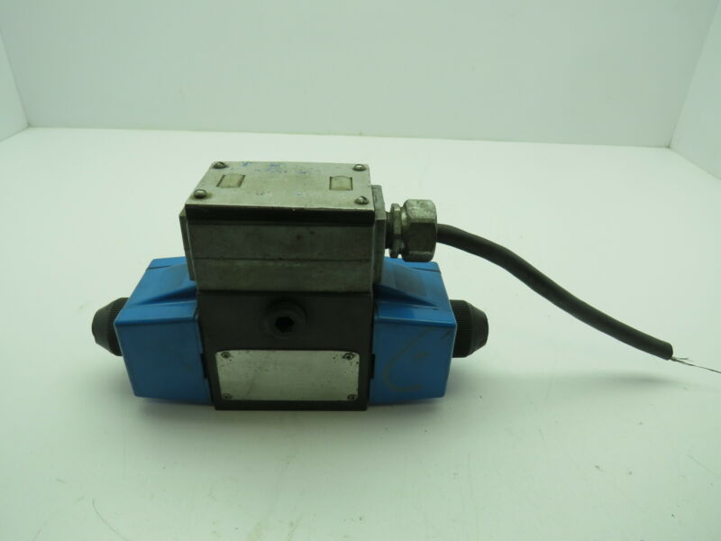 Eaton Vickers DG 4S4L 012C B 60 Hydraulic Directional Control Valve DG4S4L