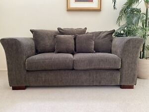 2.5 seater superior quality lounge