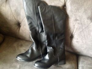 Brand New Girls Size 1 Leather Boots